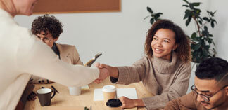 How Service Management Software Solutions Enhance Outsourcing Relationships